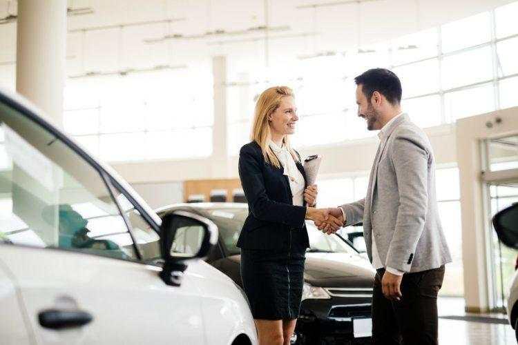 Top 5 des fournisseurs d'extension de garantie sur les voitures de plus de 100 000 milles