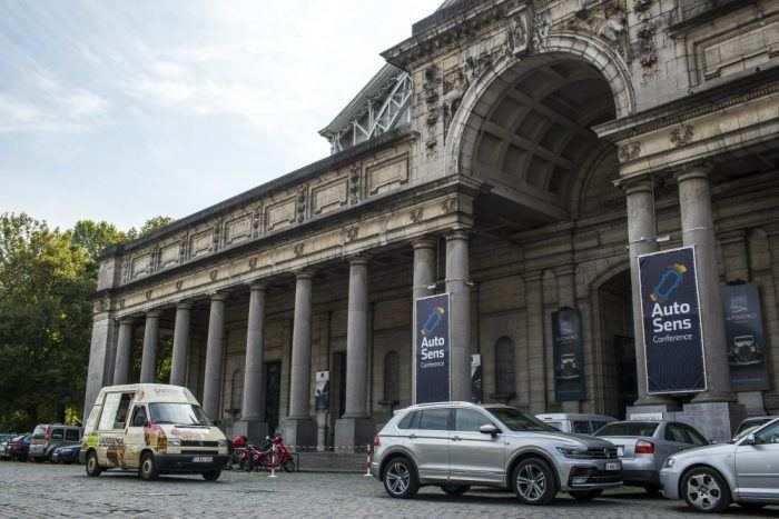 Le Sommet mondial de Bruxelles en Belgique discute de la conduite autonome