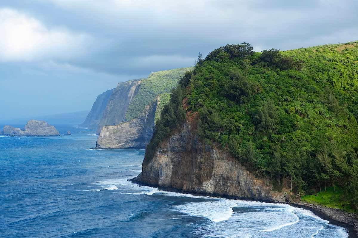 Moving to Hawaii Guide: Tips, Advice & More
