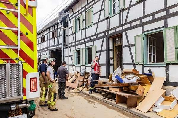 """Rheinbach: """"Ich dachte, der Damm bricht"""" – So erleben die Menschen in Oberdrees die Rückkehr"""