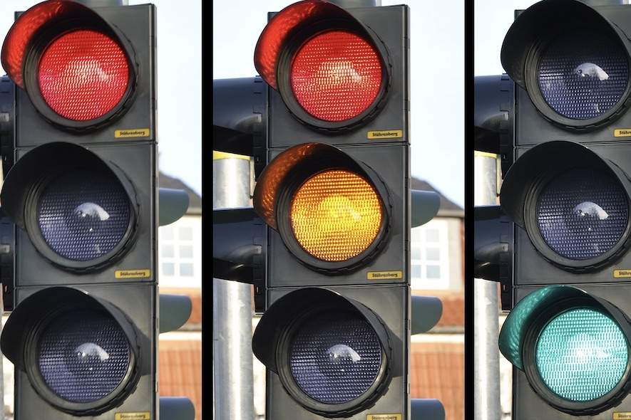 Running a red light: what are the penalties?