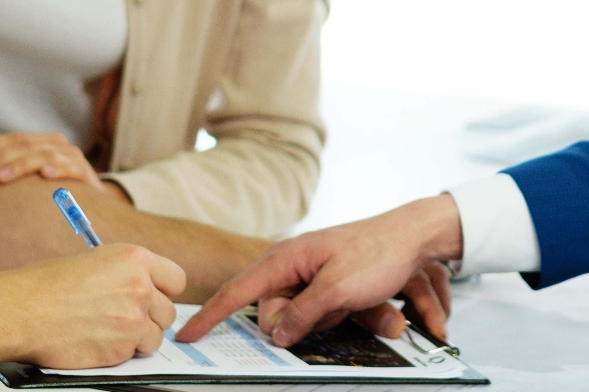 8 Tips for Finding Cheap Leasing