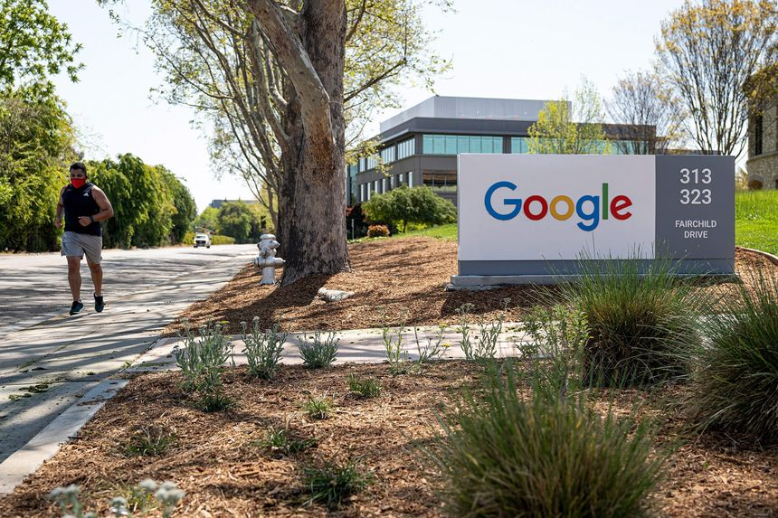 Google, Facebook to Require Vaccinations for On-Campus Workers